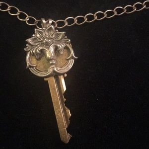 Jewelry - Unique key necklace worn once silvertone/goldtone